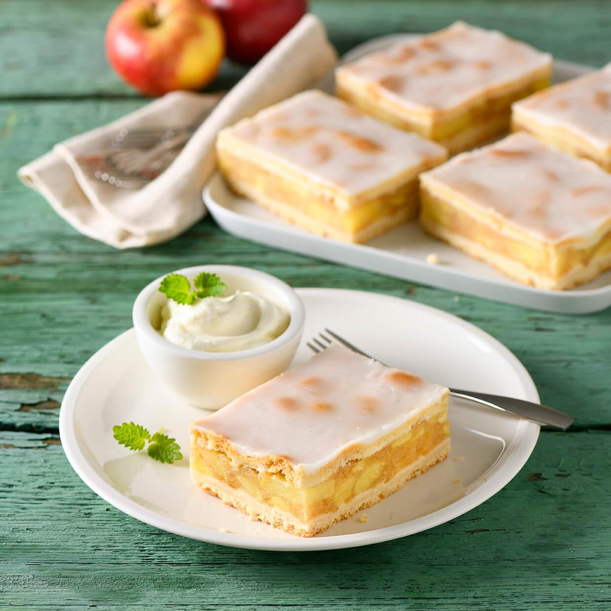 Gedeckter Apfelkuchen von Antje Plewinski Foodfotografie